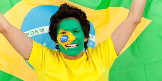 As grandes revoltas dos movimentos sociais no Brasil.