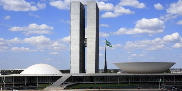 Poder legislativo, formado pelo congresso nacional, assembleias legislativas e câmaras de vereadores