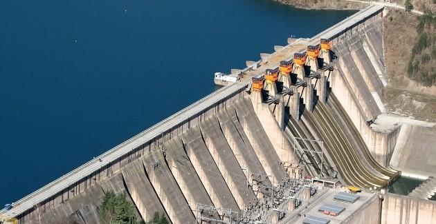 Usina hidrelétrica. A principal fonte de energia no Brasil vem das usinas hidrelétricas