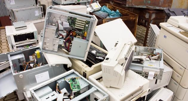 Lixo eletrônico produzido por periféricos de informática