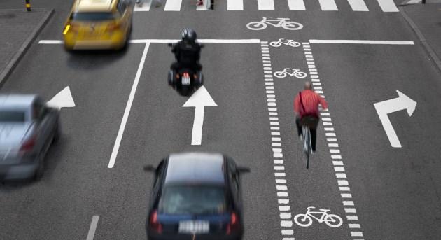 trânsito carros rua bicicleta transporte