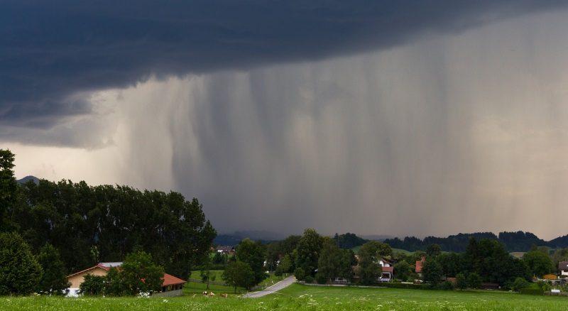 Tempestade de chuva